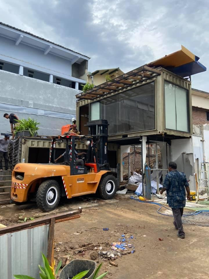 forklift 10t muat container office, Rental Forklift Semarang, Sewa Forklift Semarang, Sewa forklift 10t muat container office Semarang, Rental forklift 10t muat container office Semarang, Persewaan forklift 10t muat container office Semarang